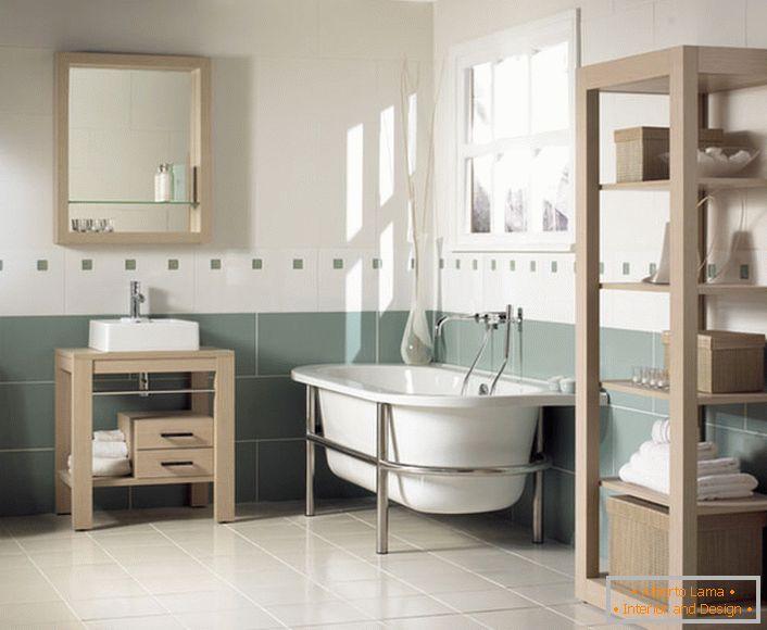Salle de bain spectaculaire dans le style art nouveau (60