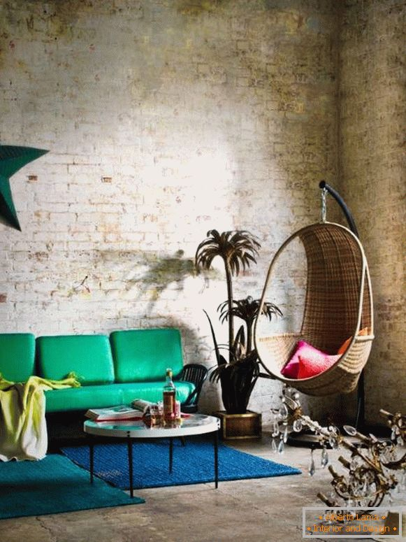 eclectic-decor-in-loft