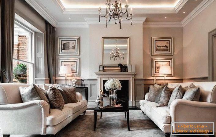 Comment décorer un style moderne à l\'intérieur du salon (62