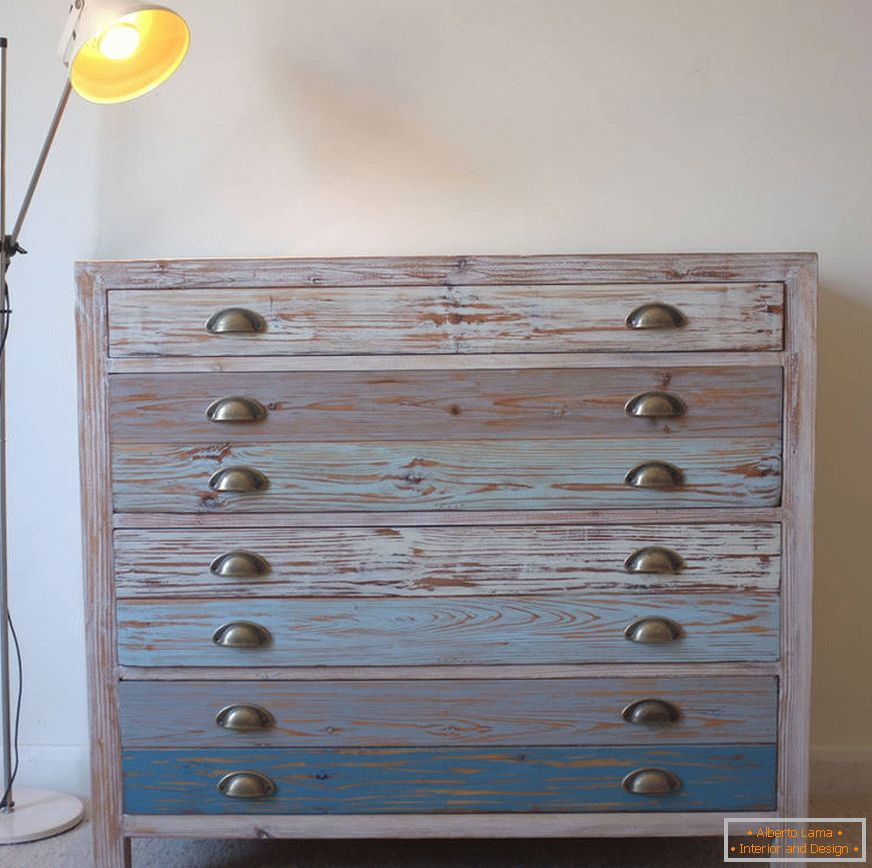 original_beach-hut-style-commode-reclaimed-wood